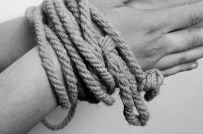 Женщине, продавшей школьницу в рабство в Москве, предъявлено обвинение
