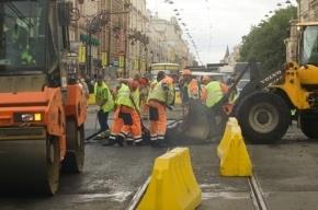 В ДТП на МКАД грузовик сбил рабочих и скрылся