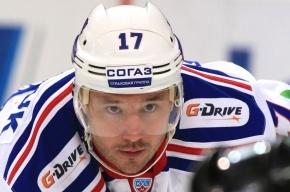 Дизайнеры по ошибке изобразили хоккеиста СКА на фоне Минска