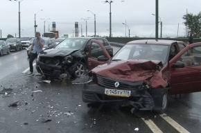 Два человека пострадали в аварии на КАД Петербурга