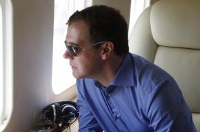 Рейсы в «Пулково» задержали из-за самолета Медведева