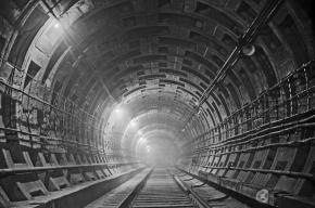 Тоннель Фрунзенского радиуса петербургского метро дал течь