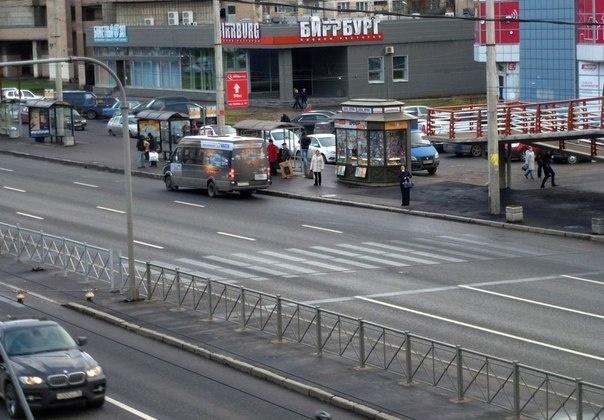 Надземный пешеходный переход проспект Славы: Фото