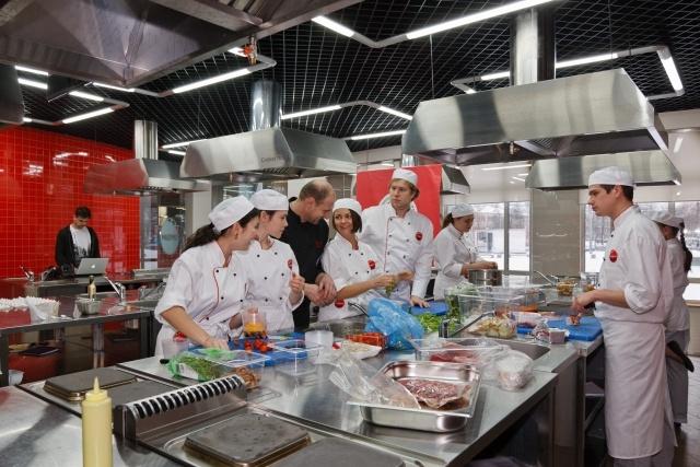 Бизнес-школе управления в индустрии сервиса SWISSAM: Фото