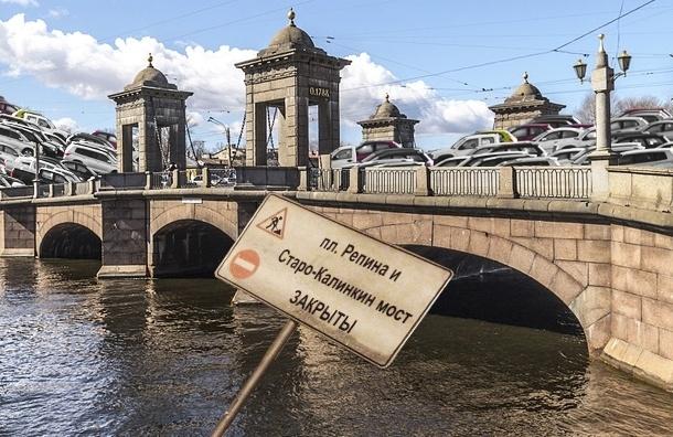 Старо-Калинкин мост: кто виноват в пробке