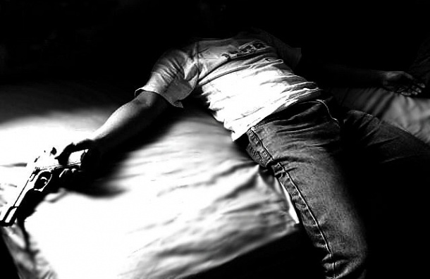 В Ленобласти пенсионер застрелился из сигнального пистолета
