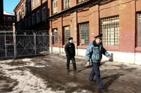 В Петербурге задержаны четверо полицейских, обвиняемых в похищениях людей, разбойных нападениях и грабежах.