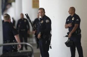 У стрелка в аэропорту Лос-Анджелеса нашли антиправительственное письмо