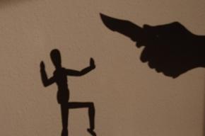 На «Звездной» приезжий пырнул ножом петербуржца