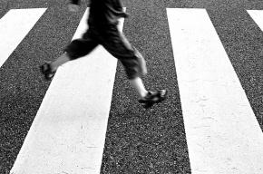 Грузовик на пешеходном переходе в Петербурге сбил десятилетнего мальчика