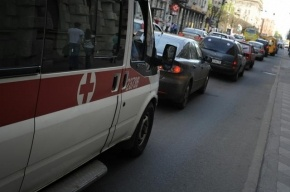 В Ленобласти полицейский зарезал мужчину в кафе