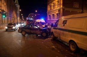 В ДТП с инкассаторским фургоном на Политехнической пострадал один человек