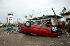 Жертвами тайфуна на Филиппинах стали уже 1200 человек