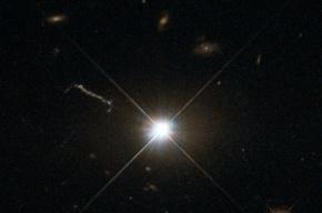 Телескоп «Хаббл» сделал снимки первого квазара