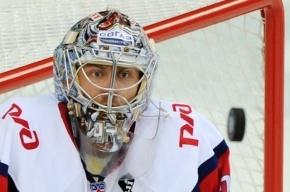 Девушка хоккеиста Варламова рассказала о его пристрастии к алкоголю