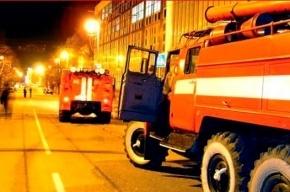 16 человек эвакуировали из-за пожара в доме на Марата