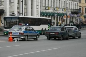 На Невском проспекте машина сбила двух пешеходов