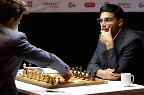 Карлсен и Ананд начали матч за звание чемпиона мира