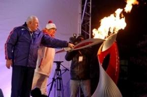 Олимпийский факелоносец из Хакасии загорелся во время эстафеты