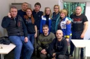 На Невском стартовала серия одиночных пикетов работников «Антолина»