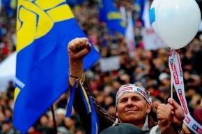 Демонстрантов в Киеве встретили «титушками» и слезоточивым газом