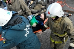 У Летнего сада в Петербурге столкнулись две иномарки