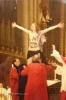 Фоторепортаж: «В Кельнском соборе активистка Femen продемонстрировала свою обнаженную грудь с надписью «Я Бог!»»