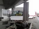 На Волхонском шоссе маршрутка врезалась в ограждение: Фоторепортаж