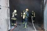 Фоторепортаж: «Пожар в ангаре на Нефтяной дороге 7 декабря 2013 »