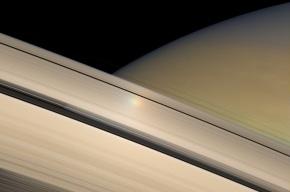 Космический зонд «Кассини» снял рождение нового спутника Сатурна