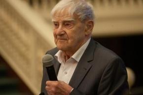 Даниил Гранин получил китайскую литературную премию