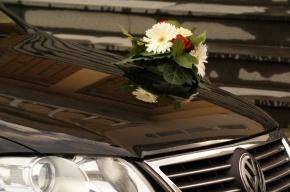 На юге Москвы задержан стреляющий свадебный кортеж
