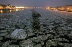 В Петербурге закрылась навигация: мосты больше не разводят
