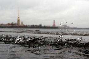 В Петербурге закрываются створки дамбы из-за угрозы наводнения