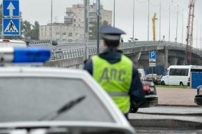 В Петербурге водитель сбил инспектора ГИБДД и скрылся