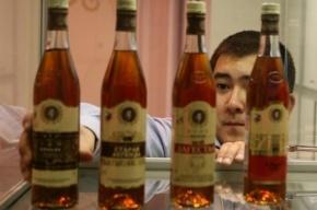 Медведев снизил долю иностранных работников в сфере торговли алкоголем