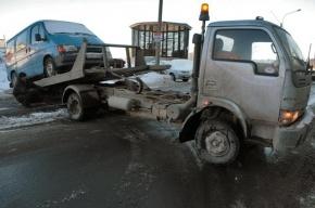 В массовом ДТП с эвакуатором в Ленобласти погибли два человека
