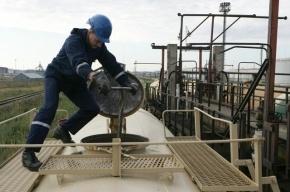 В Петербурге при очистке цистерны задохнулись двое рабочих