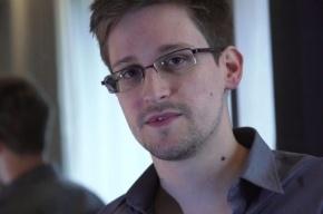 Об Эдварде Сноудене напишут три книги
