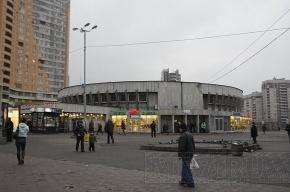 Петербуржец избил полицейского, который не пустил его в метро