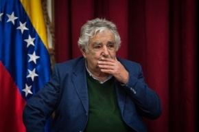 Президент Уругвая пришел на официальное мероприятие в сандалиях