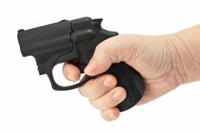В Петербурге безработный открыл стрельбу в магазине, требуя выручку