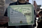 В Колорадо за сутки продали легализованной марихуаны на миллион долларов : Фоторепортаж