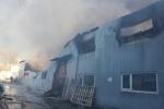В Невском районе две улицы перекрыты из-за сильного пожара: Фоторепортаж