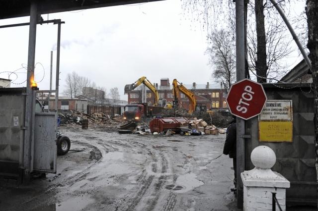Снос на Литовской улице: Фото