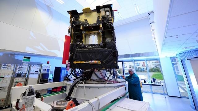 В космосе проснулся зонд Розетта : Фото