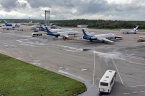 Самолет рейса «Череповец-Петербург» выкатился за пределы взлетно-посадочной полосы