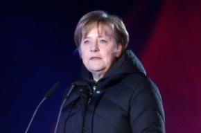 Меркель получила трещину таза, катаясь на лыжах