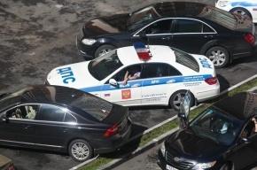 В Москве пьяный водитель сбил полицейского и протаранил две машины