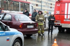 На проспекте Науки маршрутка сбила мужчину и врезалась в трамвай